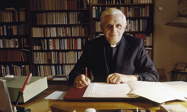 Kirjaesittely: Ratzinger: Liturgian henki