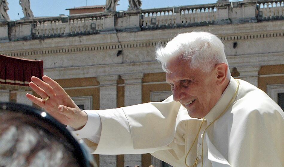 Benedictus XVI 92 vuotta: poimintoja elämäkerrasta