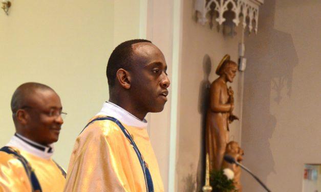 Uusi pappi: isä Jean Claude Kabeza
