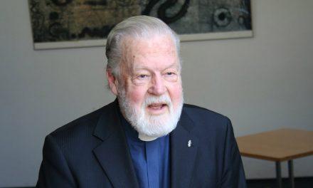 Monsignore Vello Salon tie