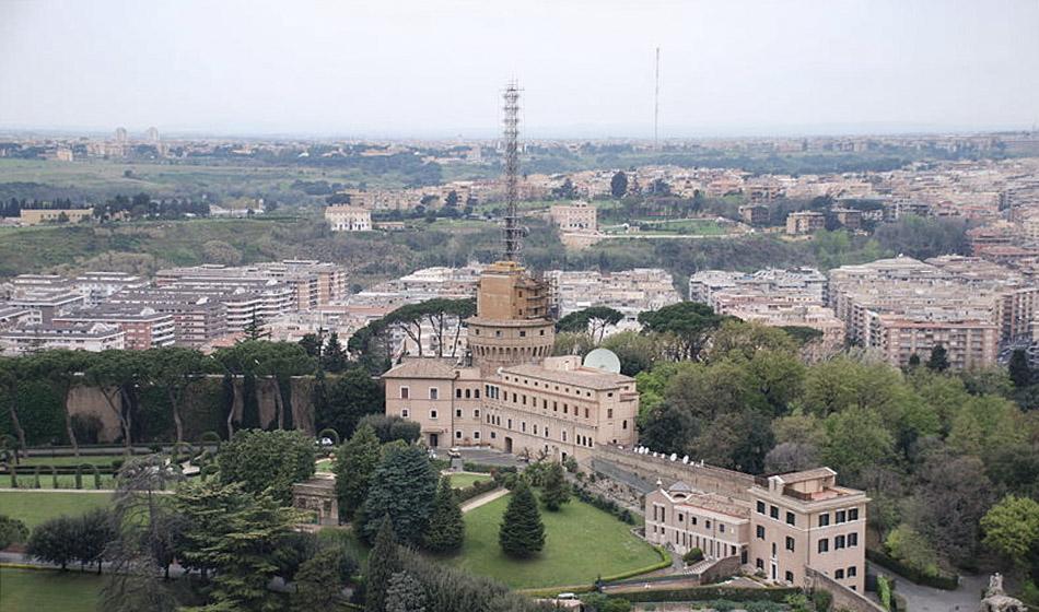 Hebdomada Papae: Vatikaanin Radio aloittaa latinankieliset uutislähetykset