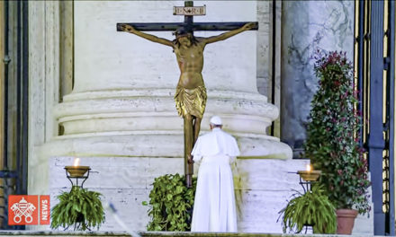 Paavi Franciscus: Koko maailman rukous