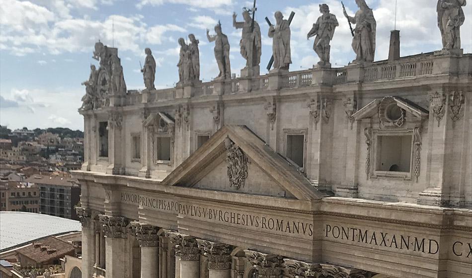 Prelaatti Vimpari siirtyy Vatikaaniin