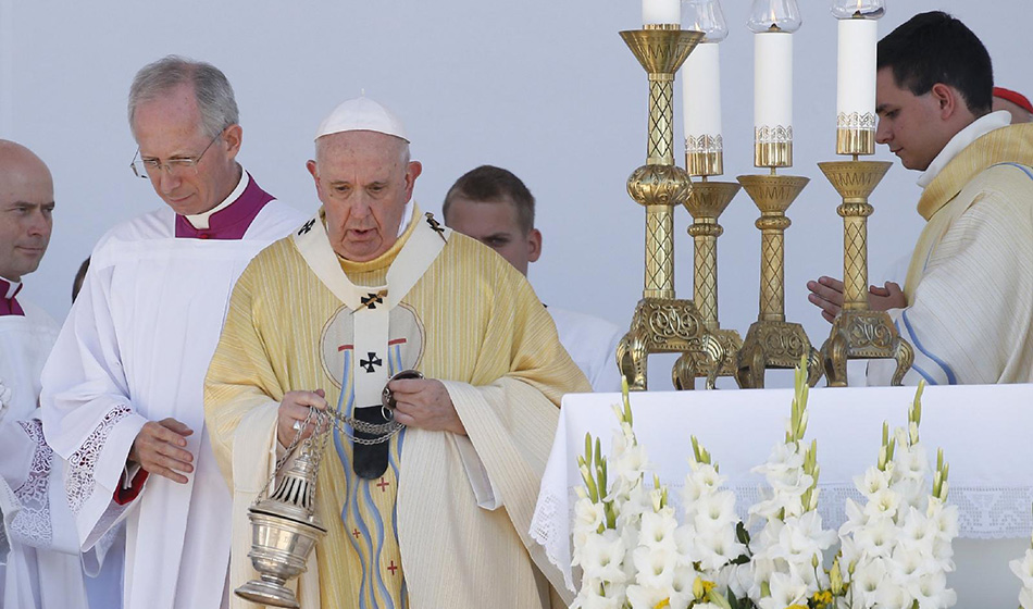 Paavi Franciscus: Kulkeminen Jeesuksen jäljessä